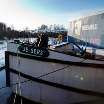 Renovation of two barges for emergency shelter in France